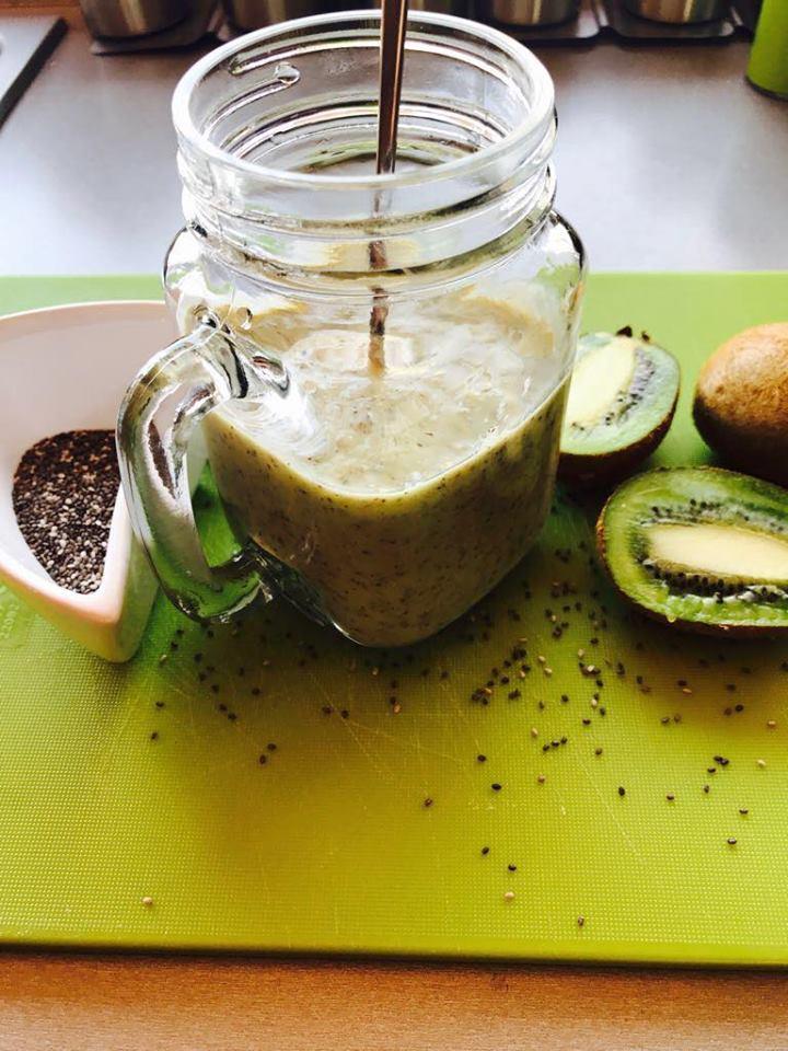smoothie din kiwi si seminte de chia